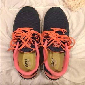 Women's Nike Free running sneakers - size 6!